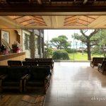 写真:鹿児島指宿 白水館 ロビーから見るお庭